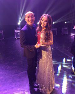 Юана с основателем премии