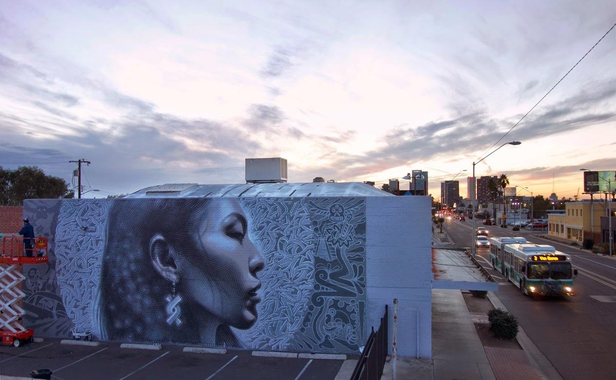 Майлс МакГрегор нарисовал нашу Полину Протодьяконову в столице Аризоны - Финиксе