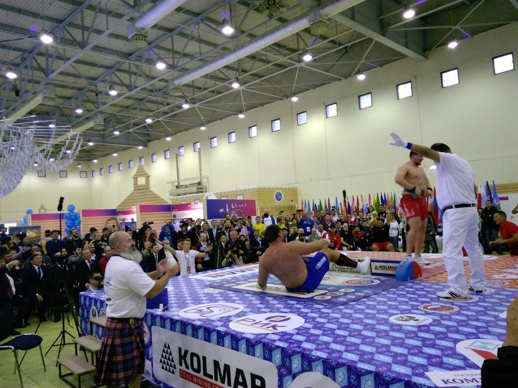 3-10 Американец с якутскими корнями стал чемпионом в супертяжелом весе на Кубке мира по мас-рестлингу