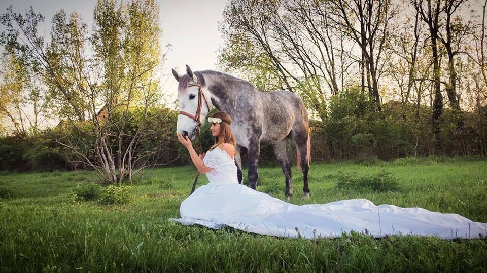 Fanni Rebeka Varga с лошадкой