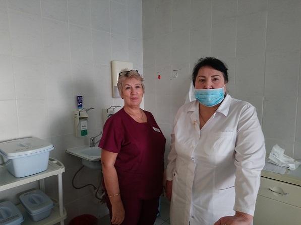 ЗаведущаяотделениемгинеклогииТ.В. Менжулинавмаске