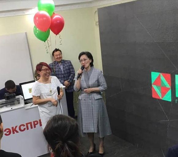 Мэр Якутска на открытии офиса компании Кэм-видео
