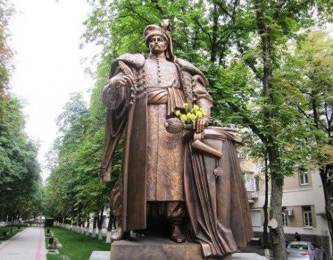 Памятник Войнаровскому в Киеве