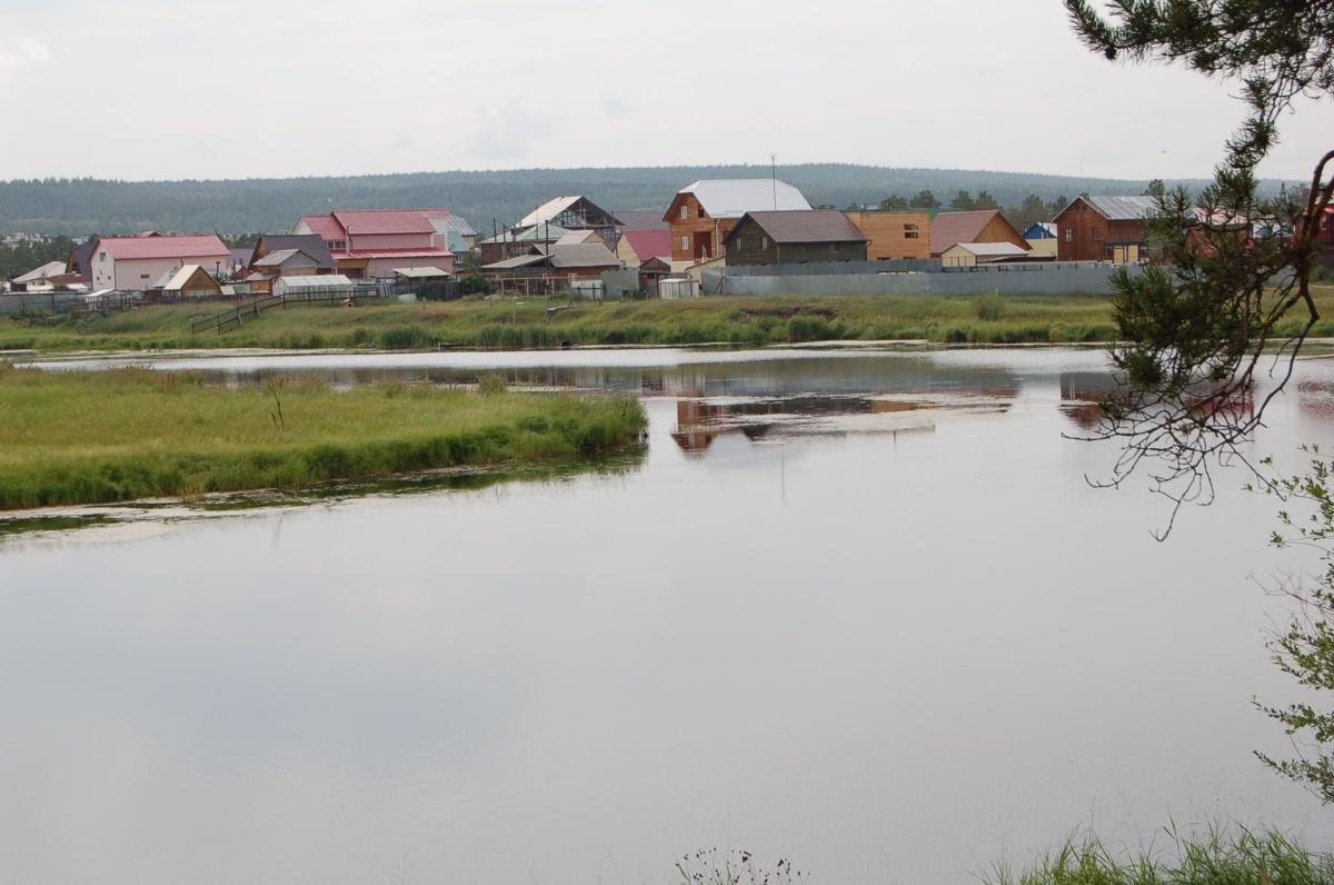 На берегу Сергеляхского озера