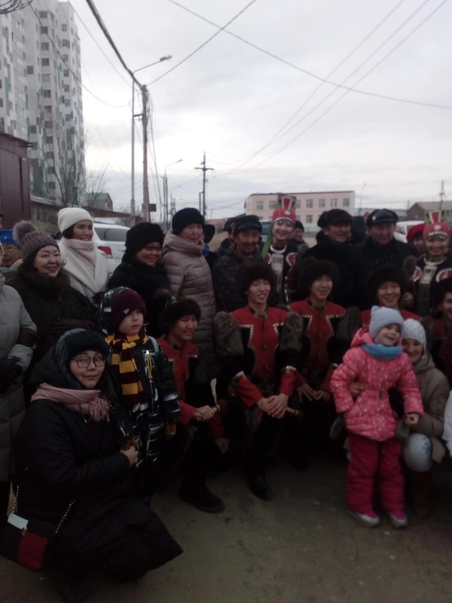 В торжественном открытии приняли участие и артисты из ансамбля «Кыталык» Мегино-Кангаласского района