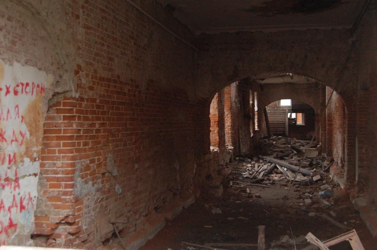 В развалинах Реального училища