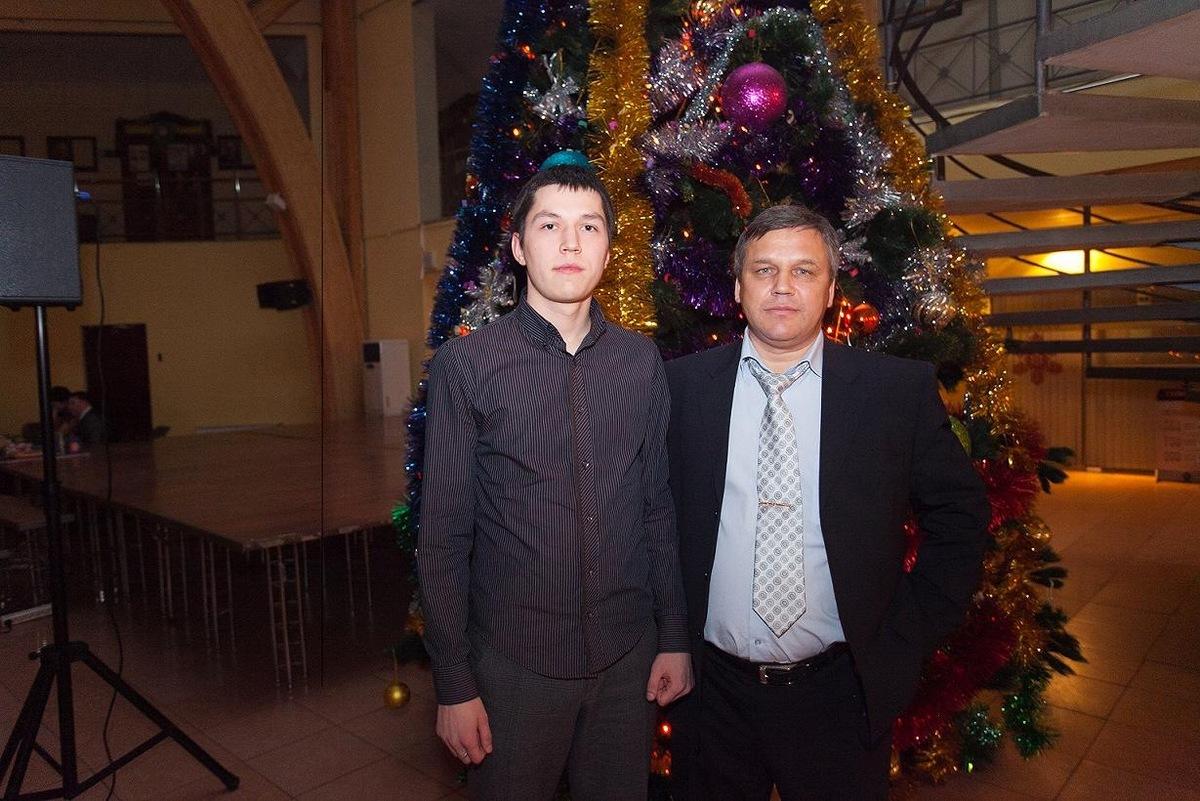 Попавшийся на взятке сотрудник Управления МВД Дмитрий Максимов является родственником начальника УФМС по Якутии?