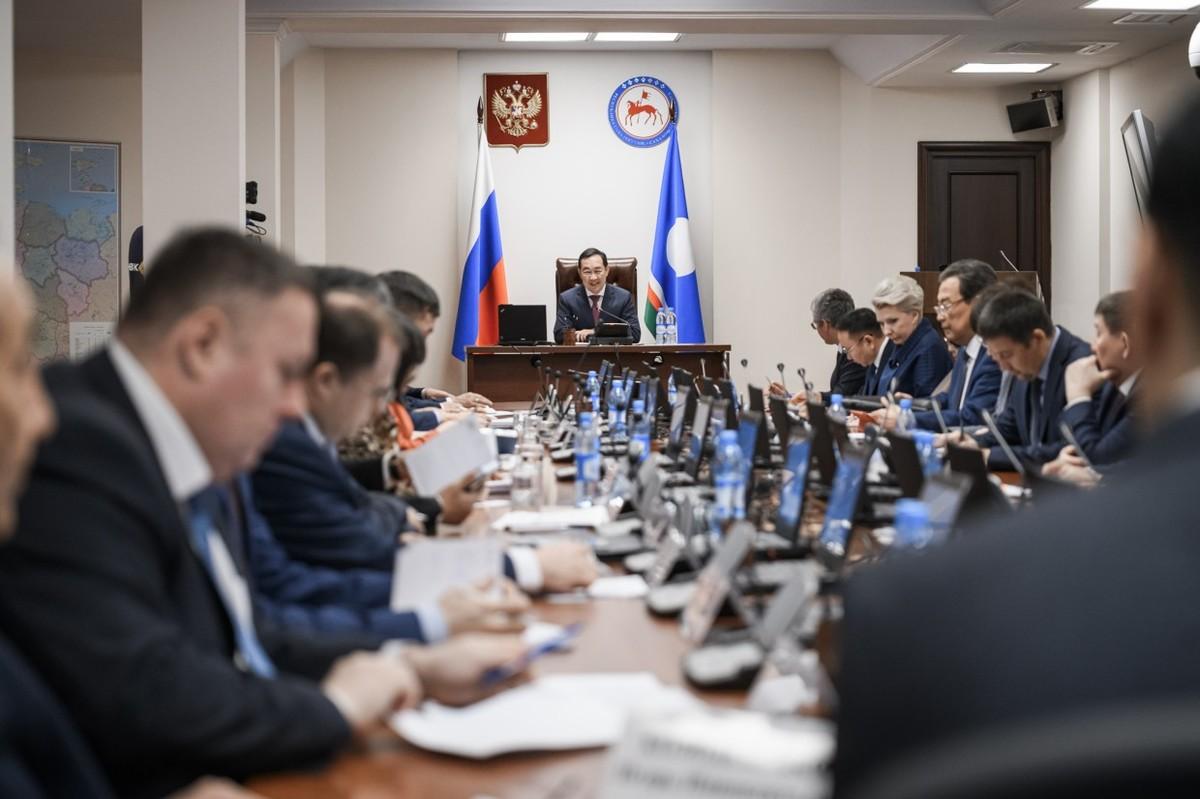 Глава Якутии: Обращения граждан в социальных сетях будут считаться официальным запросом