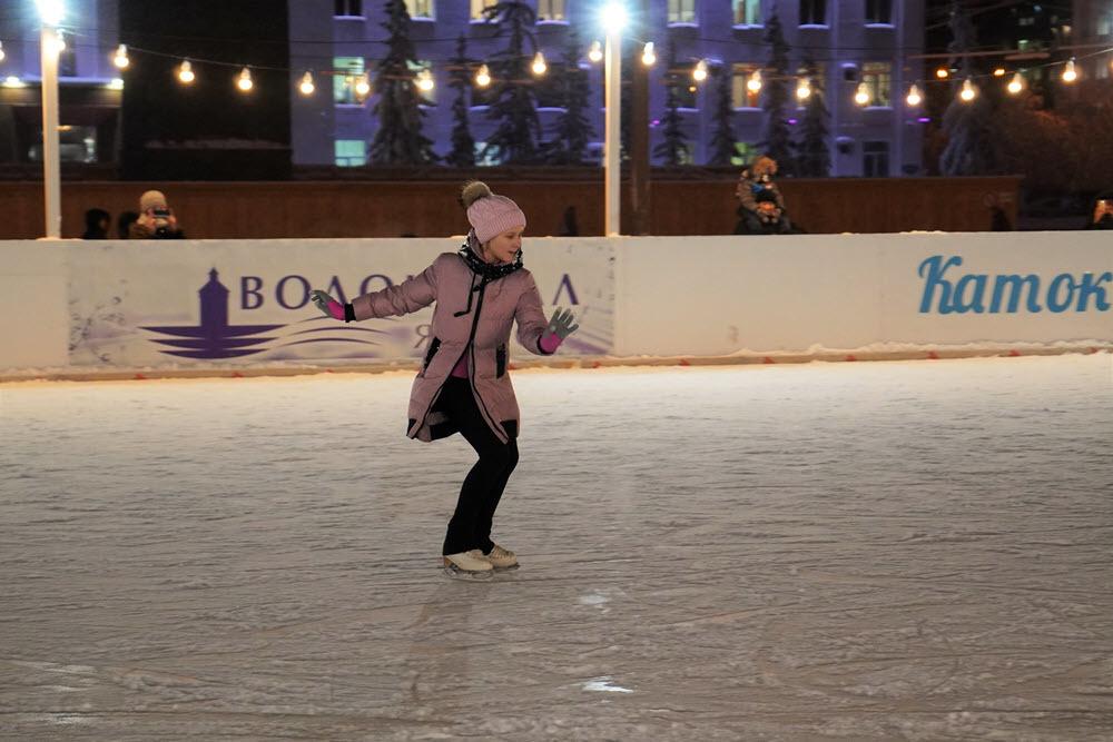 Каток в центре Якутска открыт для всех горожан