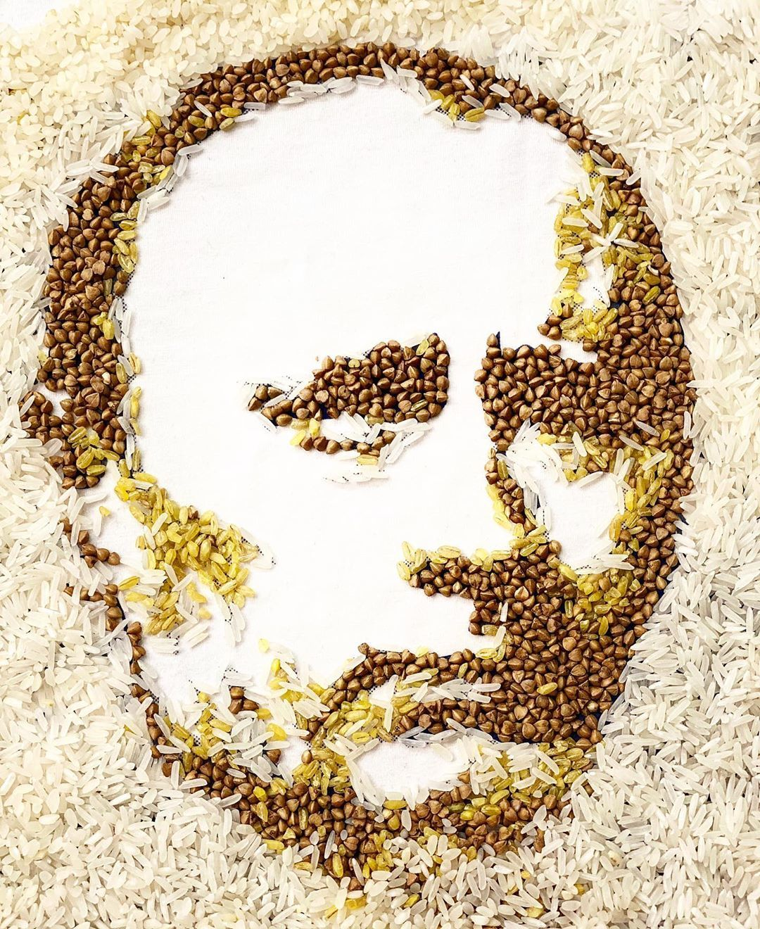 Якутянка сделала портрет Путина из гречки