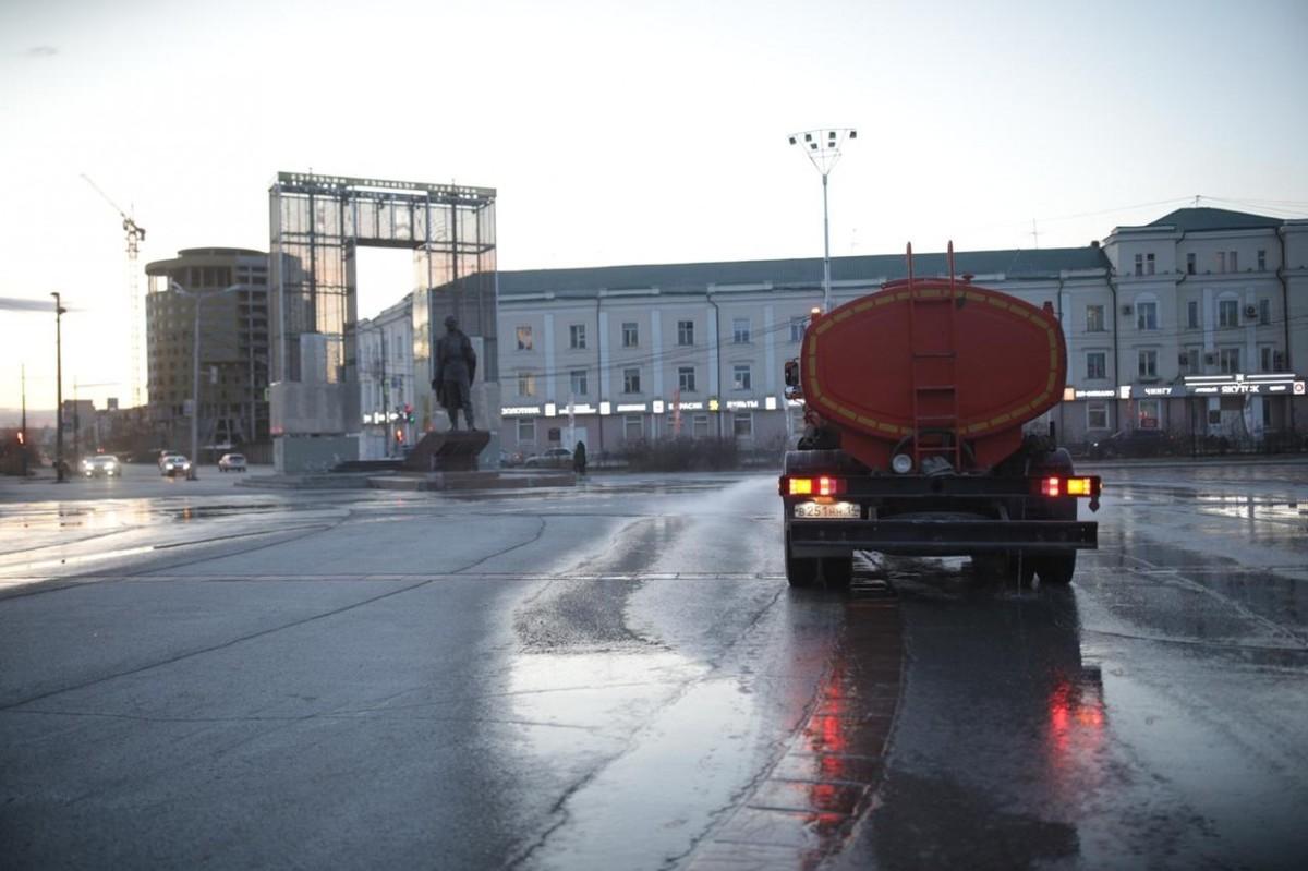 В Якутске начали дезинфекцию улиц и площадей