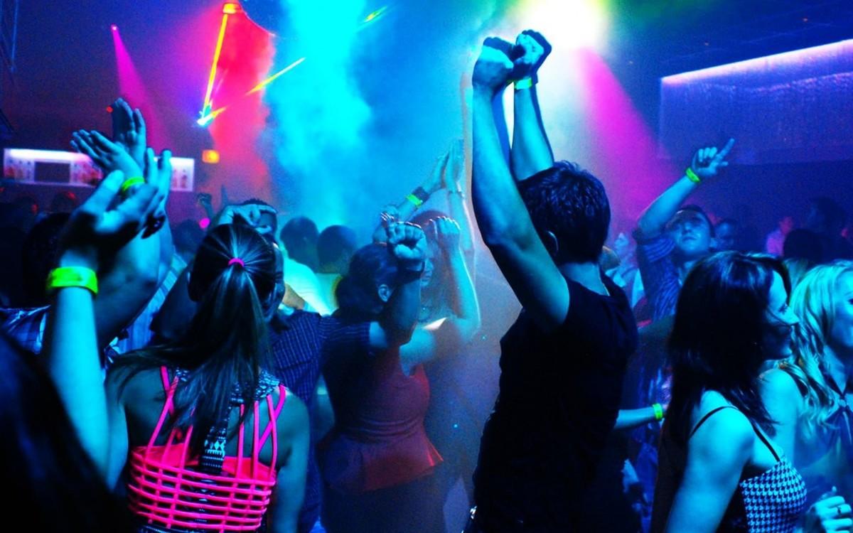 ночной клуб с людьми картинки