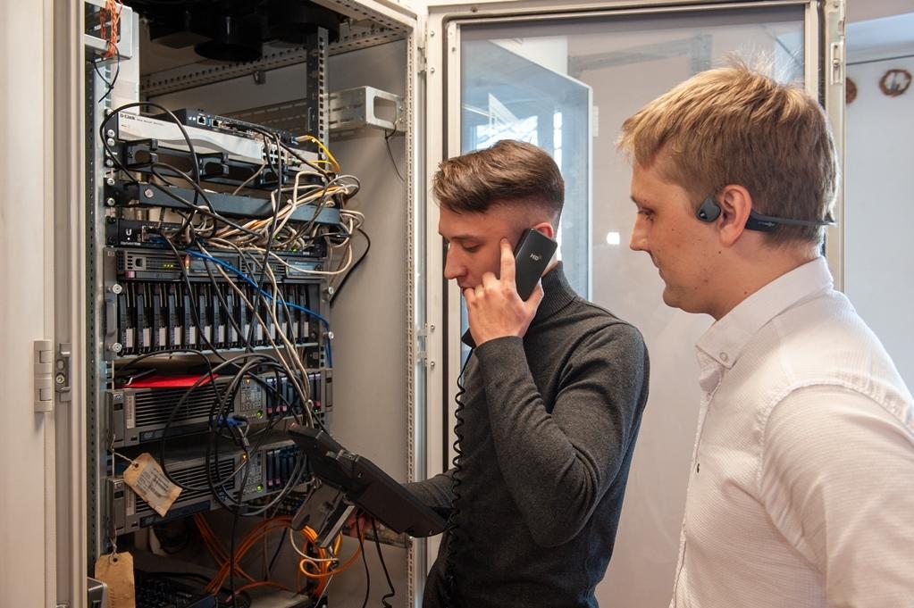 Знакомьтесь: Служба СЦБ, связи и информатизации ЖДЯ