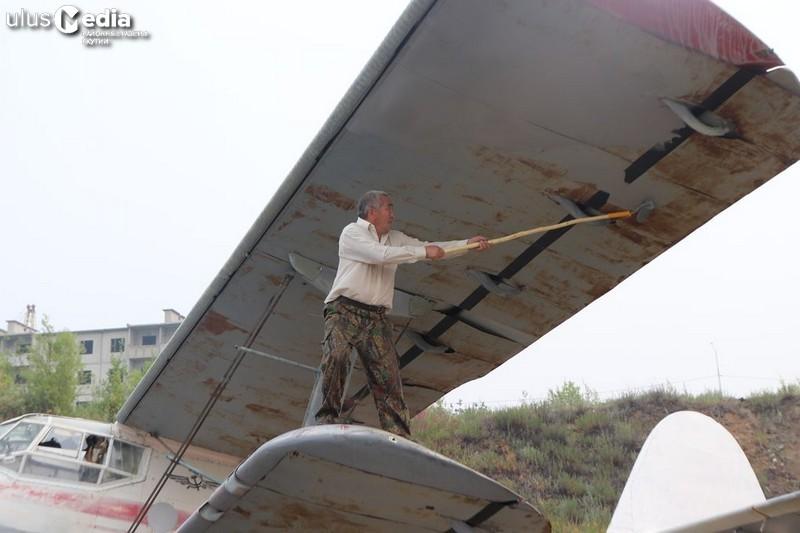 В Черском силами жителей восстановили самолет Ан-2
