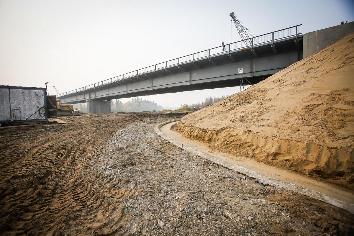 Айсен Николаев проверил строительство мостов на федеральной дороге «Вилюй»