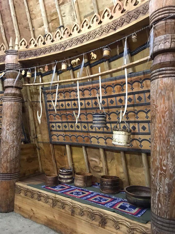 «Моҕол ураhа» в Татте: аутентичное строение, лубок или новодел?