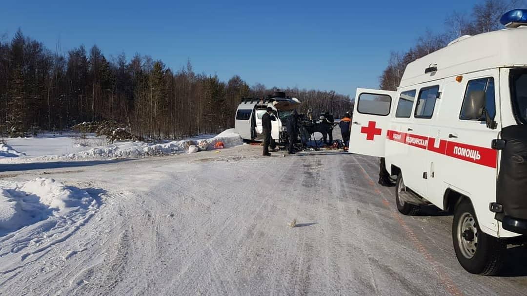 Маленькие пассажиры чудом остались невредимыми в страшной аварии в Нюрбинском районе