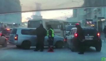 Скриншот с видео ДТП