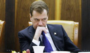 Медведев заболел