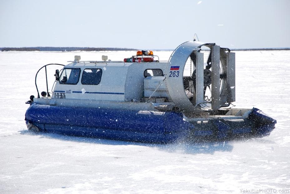 По маршруту Якутск - Нижний Бестях начали курсировать суда на воздушной подушке