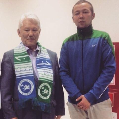 Володя Дубовский с первым президентом республики Михаилом Николаевым
