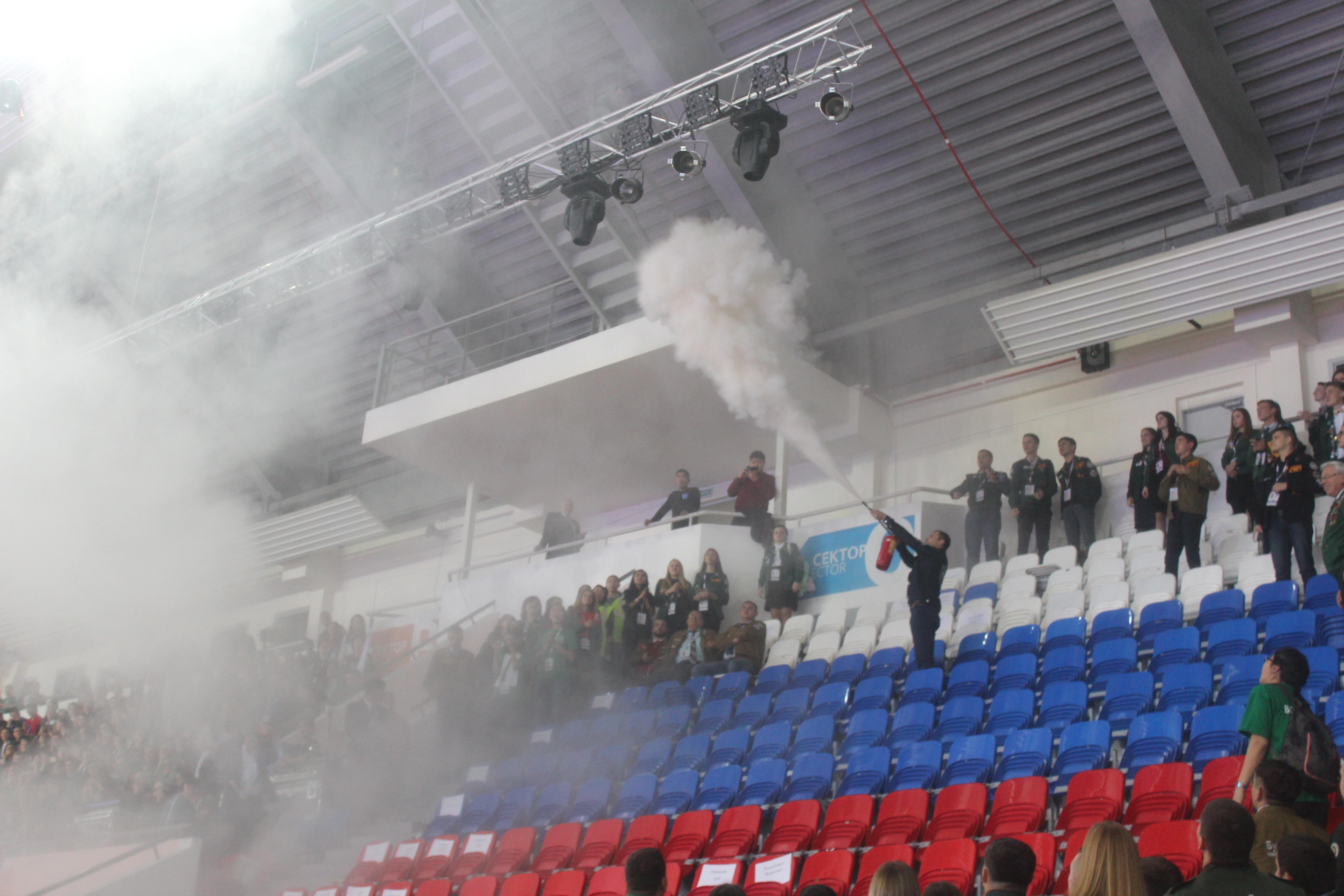 В Якутске во время открытия слета студотрядов произошло возгорание, которое организаторы и власти предпочли «не заметить»