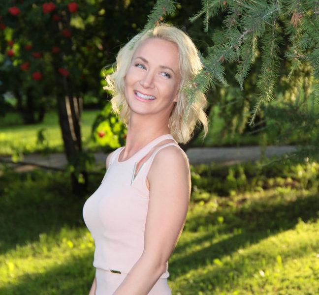2-5-e1510712170753 Якутянка покоряет мир своей улыбкой на международном конкурсе «Улыбка Вселенной 2018»