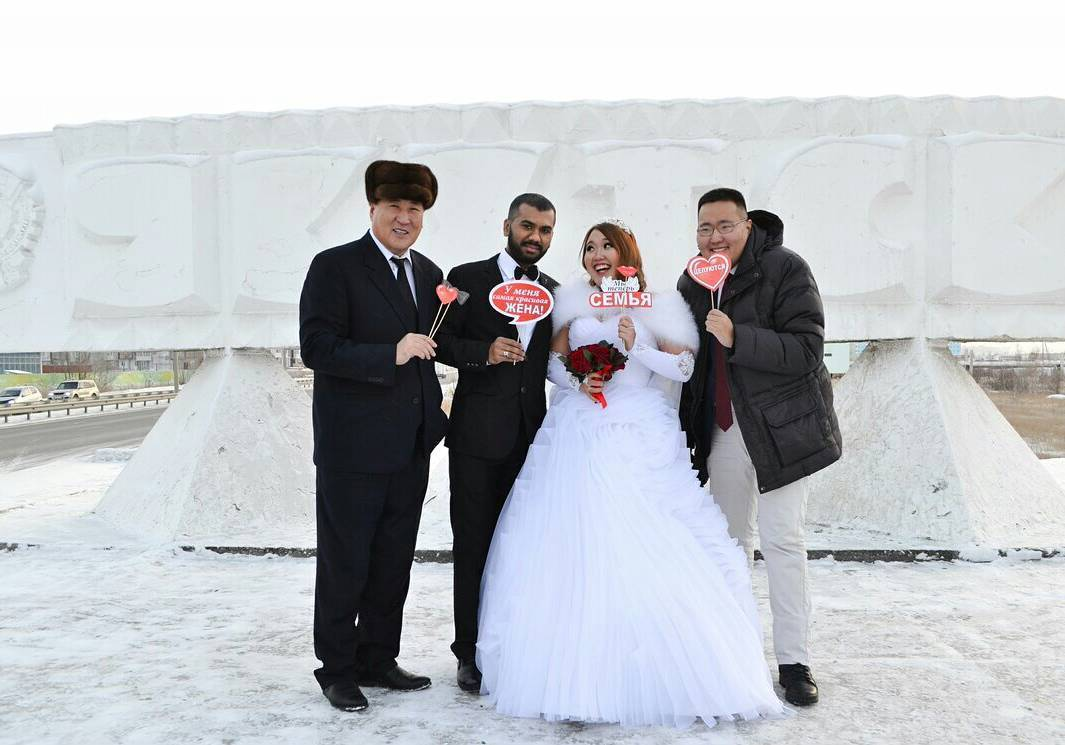 25007572_1812034032428961_4444954627787456512_n1 «Познакомились с мужем через Facebook», — якутянка вышла замуж за индийца