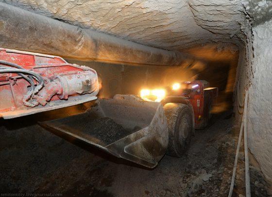 0_c7851_e7fd0aee_orig-560x406 В Мирном на руднике «Интернациональный» вспыхнул пожар