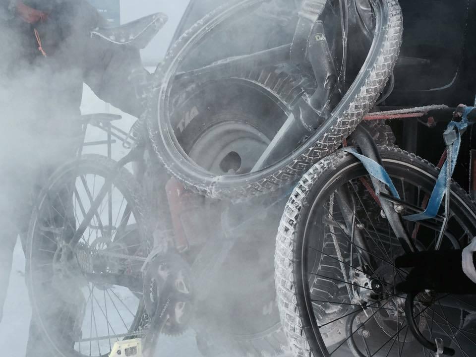 26239095_2092672084295080_3486080039676628204_n У французского путешественника по дороге в Оймякон сломался велосипед