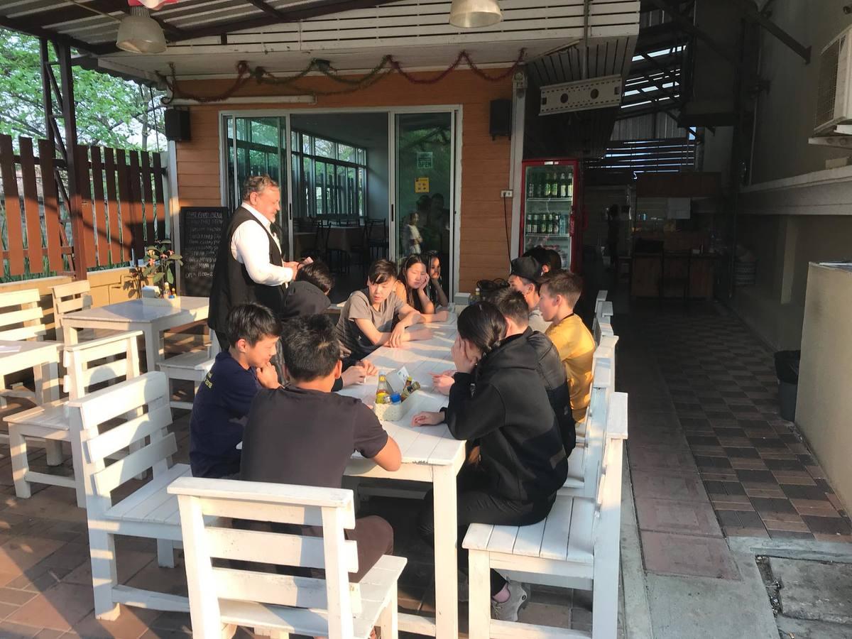 Русские школьники немогут улететь изТаиланда— Неделя ваэропорту