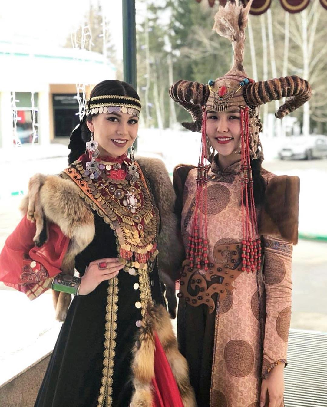 29400732_352738445214123_6468408137199124480_n Участница конкурса красоты «Мисс Россия» из Якутии представила национальный костюм