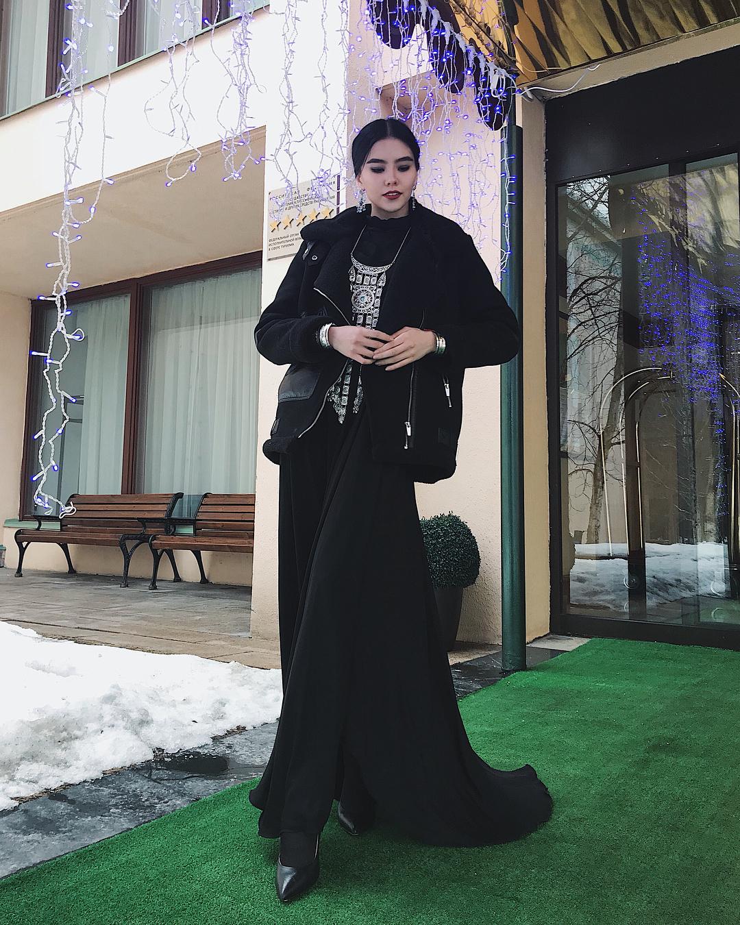 29402197_2147873545222866_6131250129266540544_n Участница конкурса красоты «Мисс Россия» из Якутии представила национальный костюм