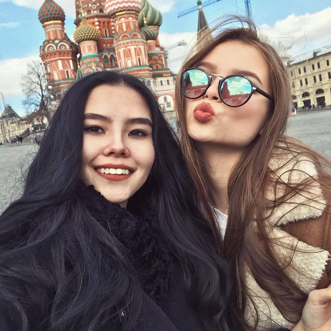 Наташа с победительницей конкурса - представительницей Чувашии Юлией Полячихиной