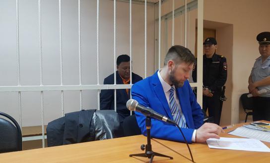 sud-savvin Депутатов Ил Тумэна Дмитрия Саввина и Александра Уарова заключили под домашний арест