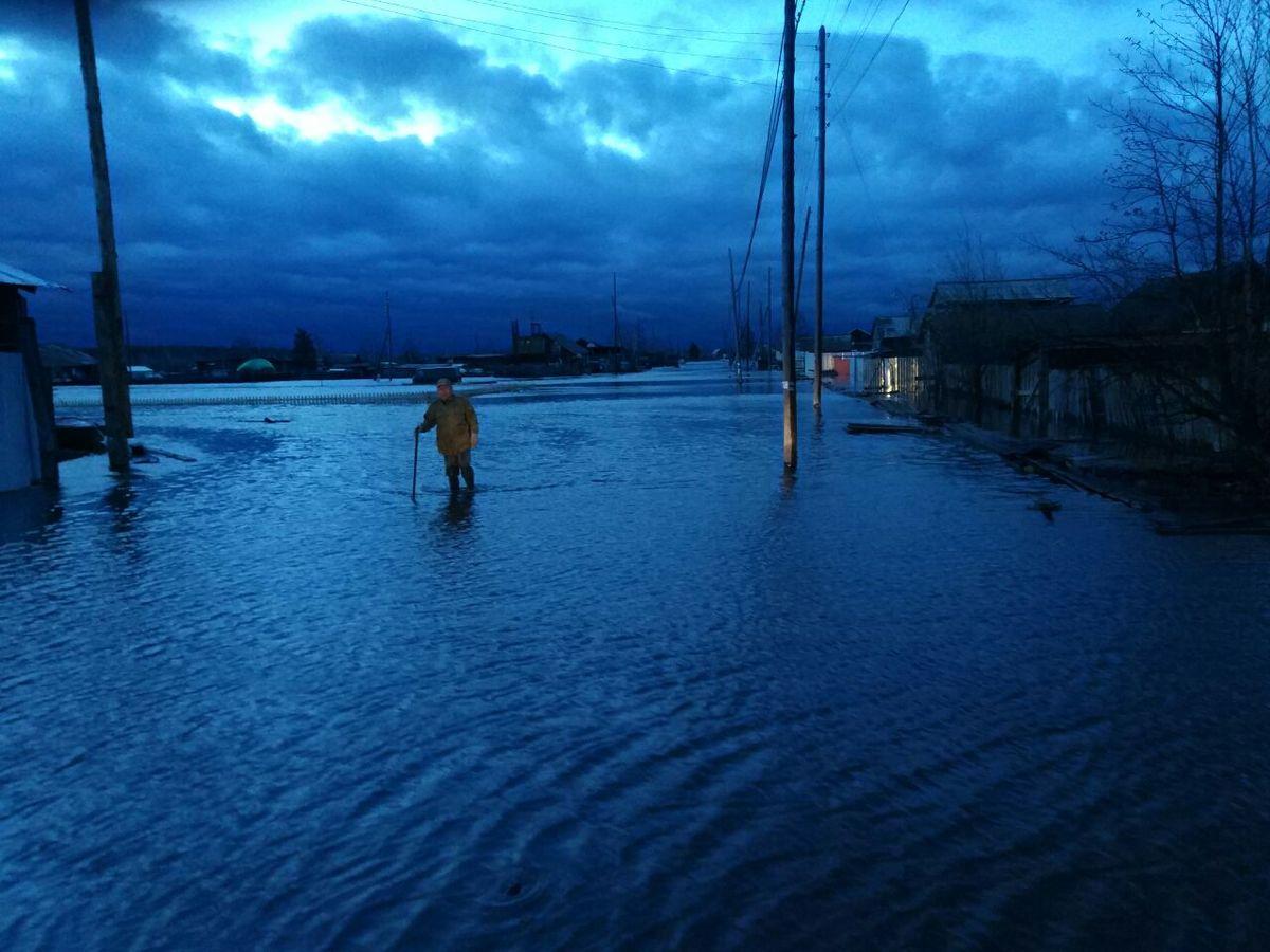 14 «Жителей Эльдикана никто не предупредил о возможном затоплении», — родственники эльдиканцев не спят вторые сутки