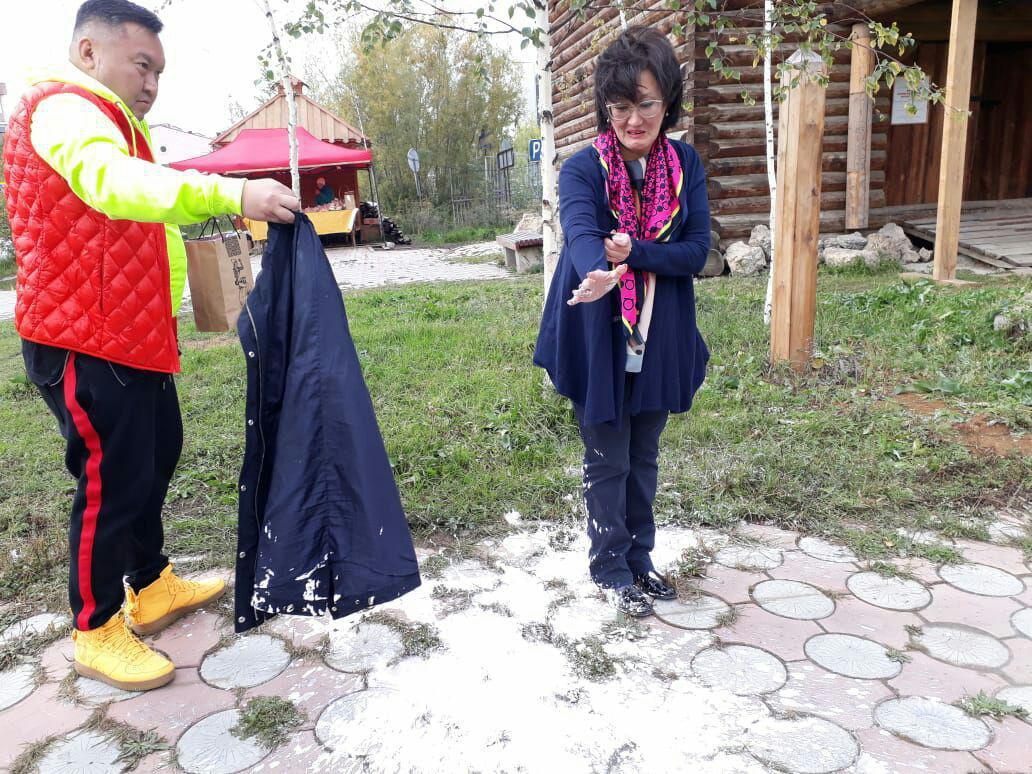 Эдик Якут был рядом с будущим мэром во время возмутительной ситуации с обливанием краской