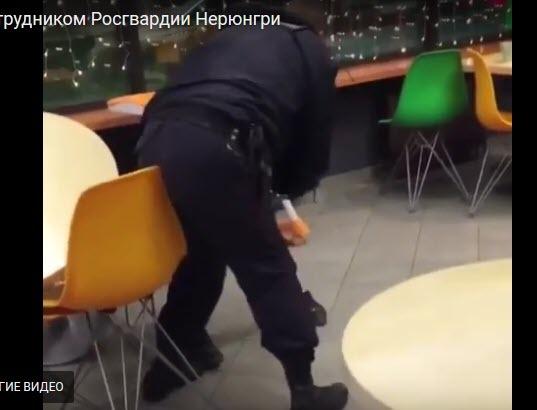 Кончает попу как можно наказать парня по жесткому видео