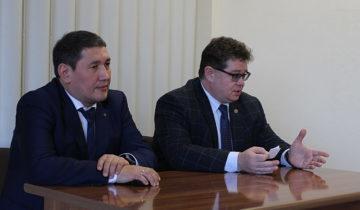 Михаил Охлопков, Карелия, Якутия