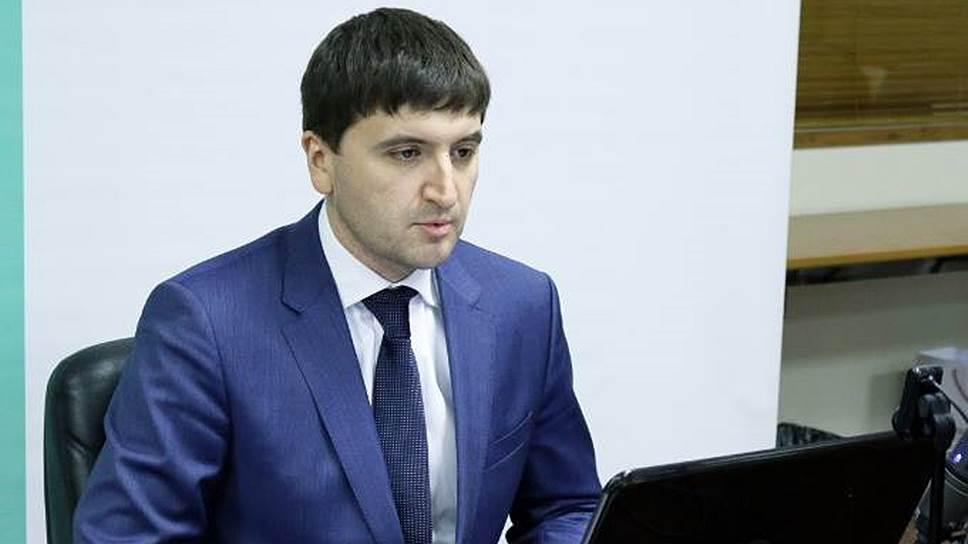 СМИ: Дворкович, «выманивший» Абызова для ФСБ, покинул Россию