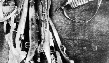 Изъятое у банды Павлова оружие.
