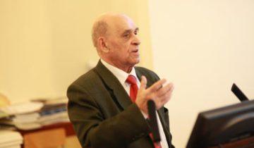 Олег Якимов